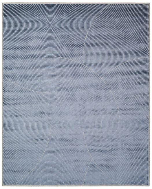 Graublauer Jacquard-Teppich mit Linienmuster